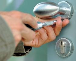 Стальная дверь - эффективное противостояние любому проникновению из вне