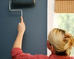 Как покрасить стену