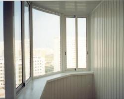 Какими материалами можно обшить балкон