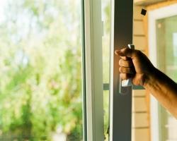 В чем преимущества пластиковых окон?
