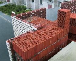 Керамические блоки: особенности и область применения