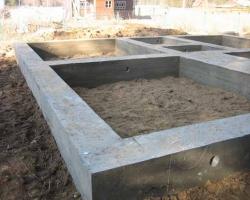 Строим фундамент для каменного дома