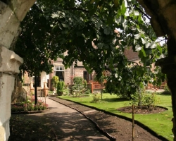 Готический сад