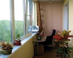 Остекление балконов и лоджий: различия в технологиях проведения работ