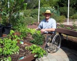 Небольшой сад для инвалидов в коляске