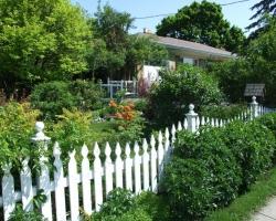 Современный вариант регулярного сада