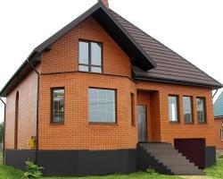 Как построить теплый дом из кирпича?
