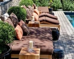 Уличная мебель для загородного участка
