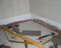 Идеальная стяжка – залог красивого пола в ванной комнате!