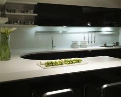 Какая кухонная столешница лучше?