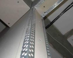Как обрабатывать гипсокартонные углы