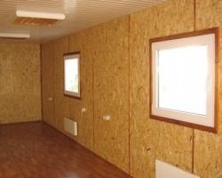 Какие материалы можно использовать для внутренней отделки домов из ОСП-панелей