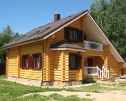 Строительство домов и срубов из оцилиндрованного бревна