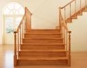 Деревянные лестницы: делаем верный выбор