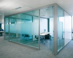 Стеклянные офисные и межкомнатные перегородки