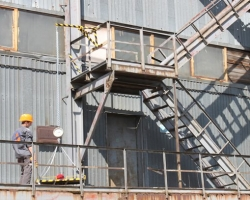 Как производятся  испытания наружных пожарных лестниц