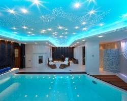 Освещение бассейнов: несколько интересных дизайнерских идей