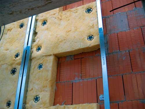 Так ли безопасно жить в доме, утепленном минеральной ватой?