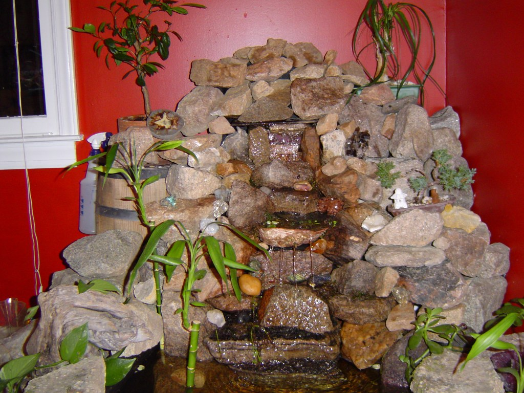 Как установить фонтан в квартире?