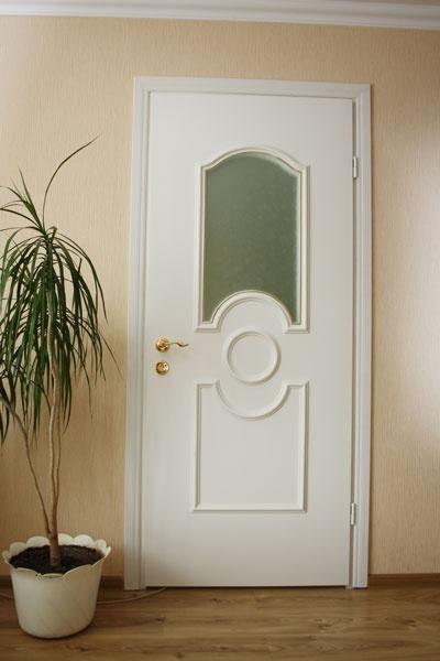 Пластиковые двери и фурнитура к ним