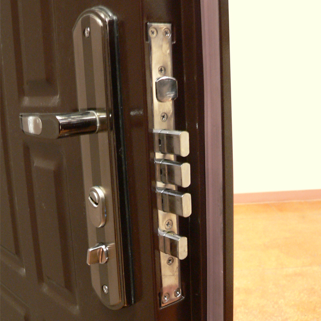 Выбираем металлическую дверь эконом класса