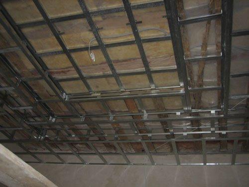 Преимущества использования подвесных потолков Армстронг