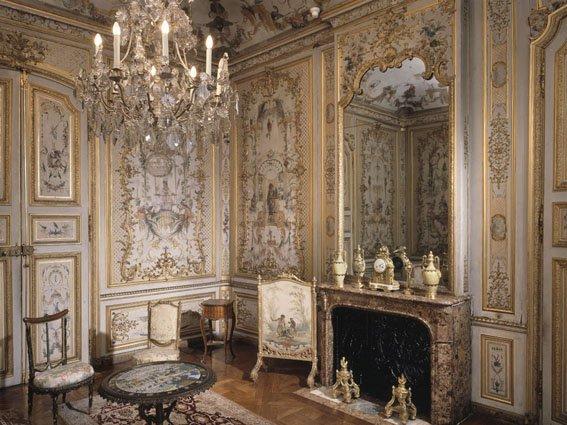 Мебель: классика, модерн и хай-тек. Продолжение