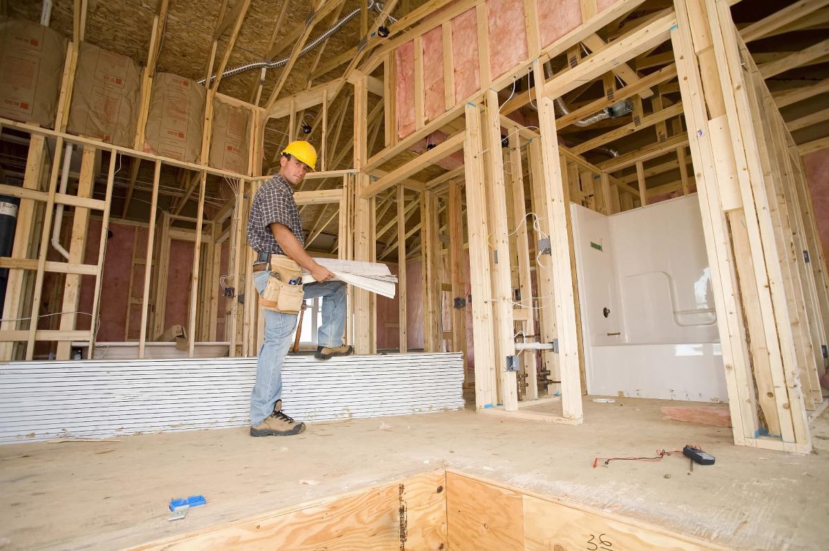 Как грамотно осуществлять контроль за строительством дома?