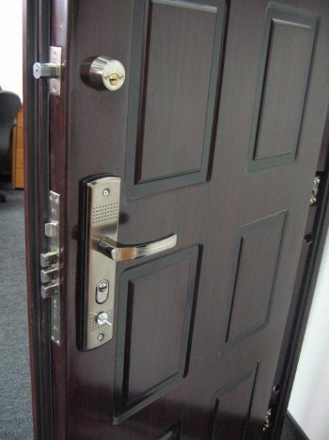 Стальные двери: преимущества отечественного производителя