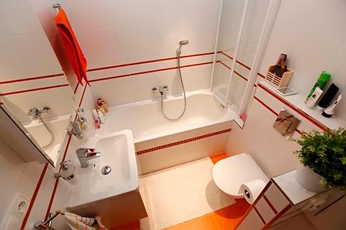 «Большой вопрос» в оформлении маленькой ванной комнаты