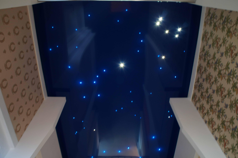 Романтика натяжных потолков «звездное небо»