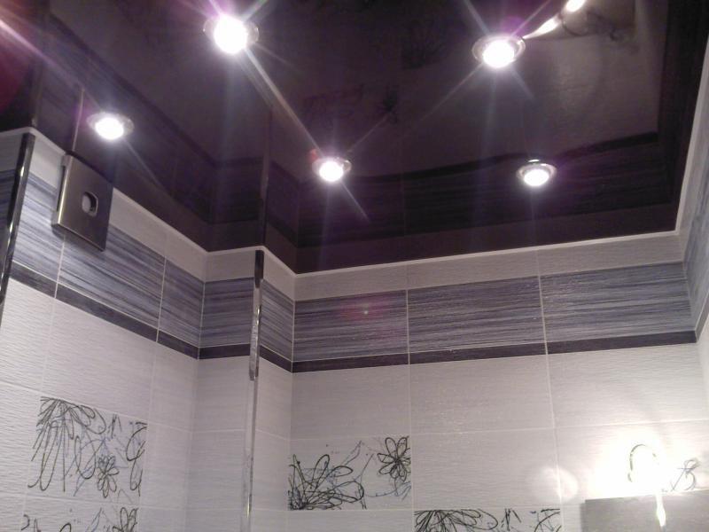 Натяжные потолки для ванной комнаты: надежность и изысканность