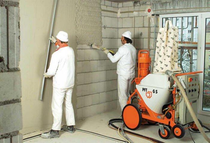 Как проводится машинная штукатурка стен?