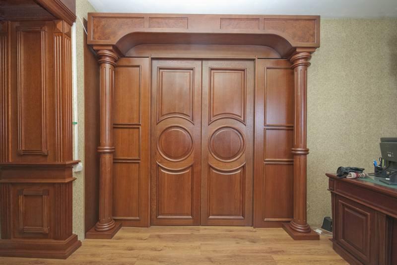 Межкомнатные деревянные двери из массива – качественно и доступно