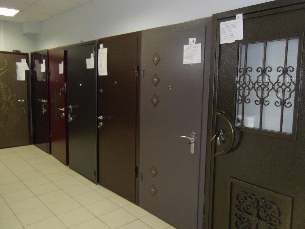 Как выбрать металлическую входную дверь в дом?