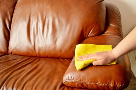 Выбираем кожаный диван