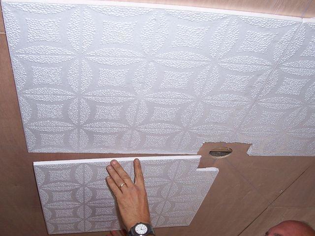Оклейка обоями потолка и стен. Продолжение