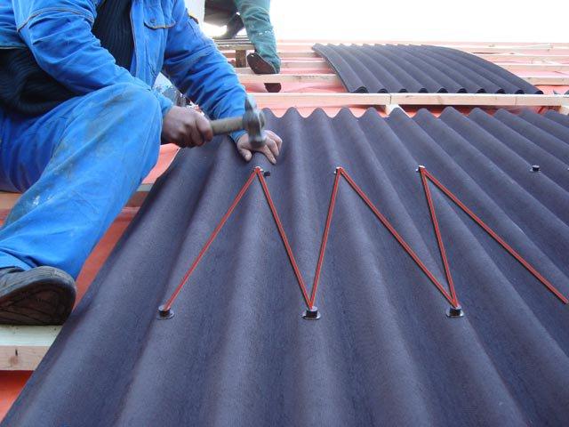 Как покрыть крышу ондулином правильно: основные секреты