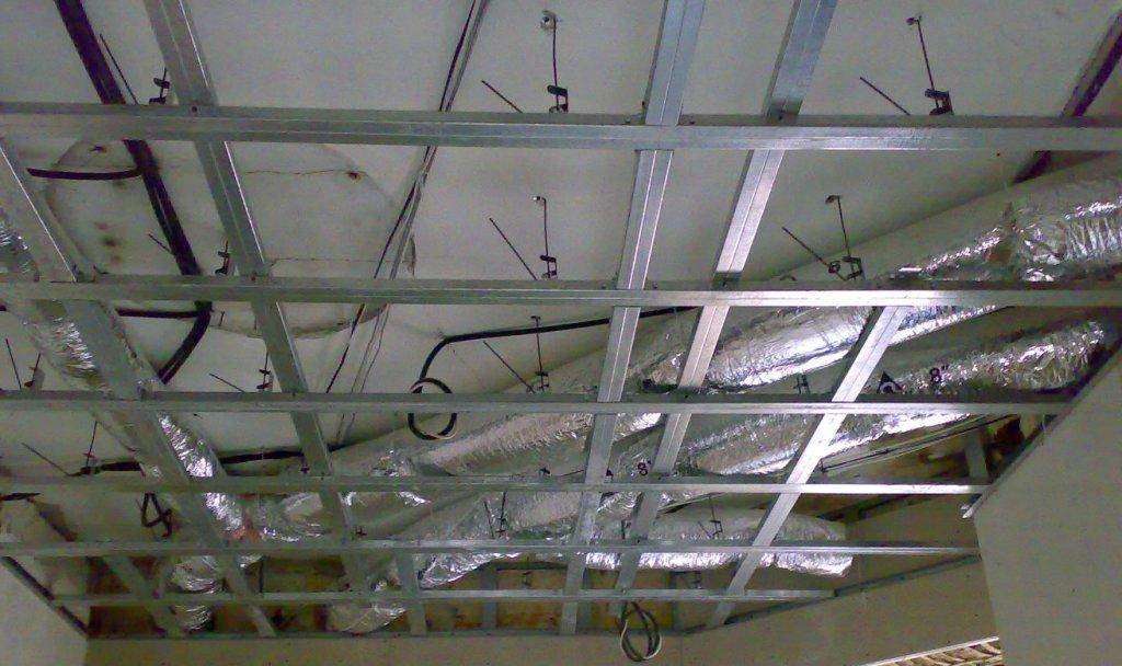 Монтаж кассетного потолка (закрытая подвесная система)