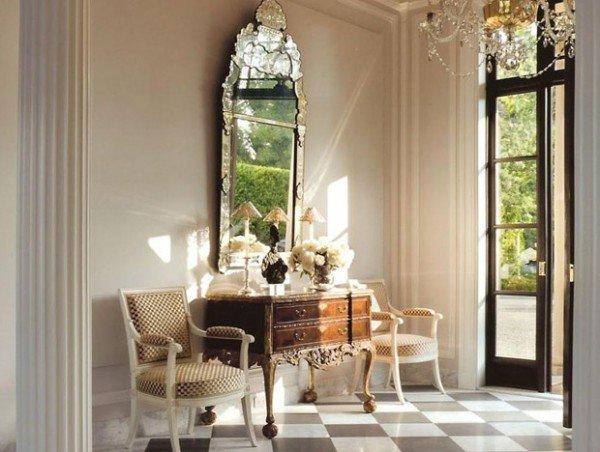 Зеркало в уникальной раме – украшение интерьера и реликвия семьи