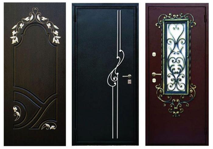 Внутренняя входная деревянная дверь в квартиру