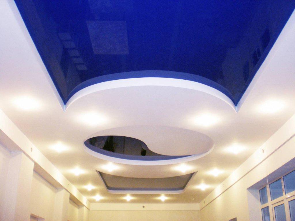 Создаем современный и стильный дизайн комнат при помощи натяжных потолков