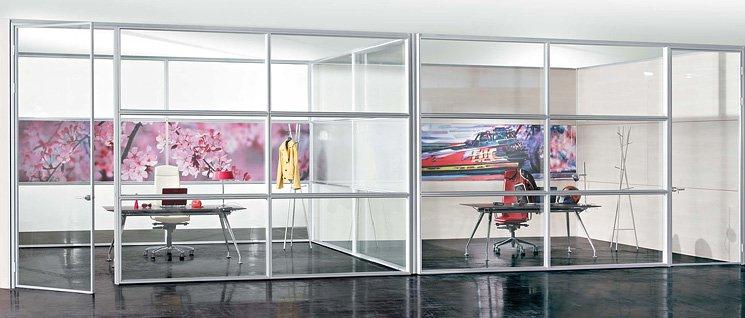 Стоит ли устанавливать стеклянные перегородки в офис?