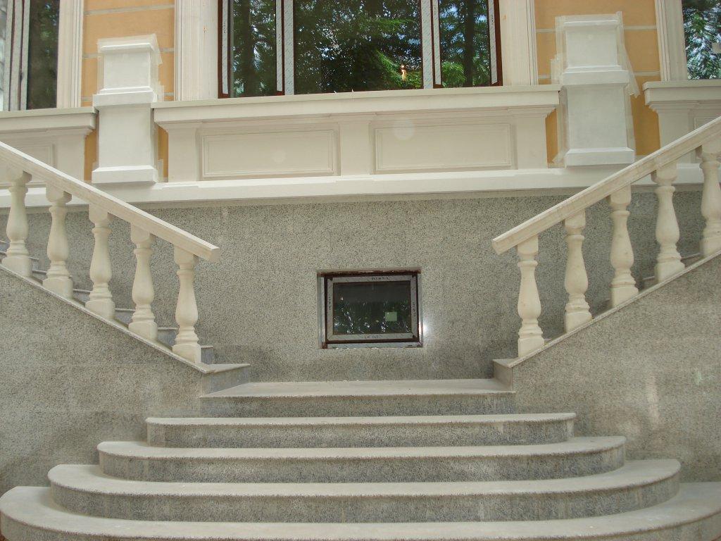 Мраморные лестницы в современном интерьере