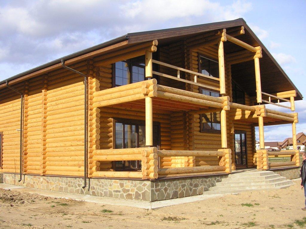 Оцилиндрованное бревно – идеальный материал для постройки дома