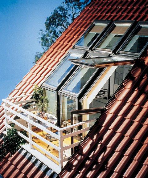 Чем облагораживают фасады домов с мансардой
