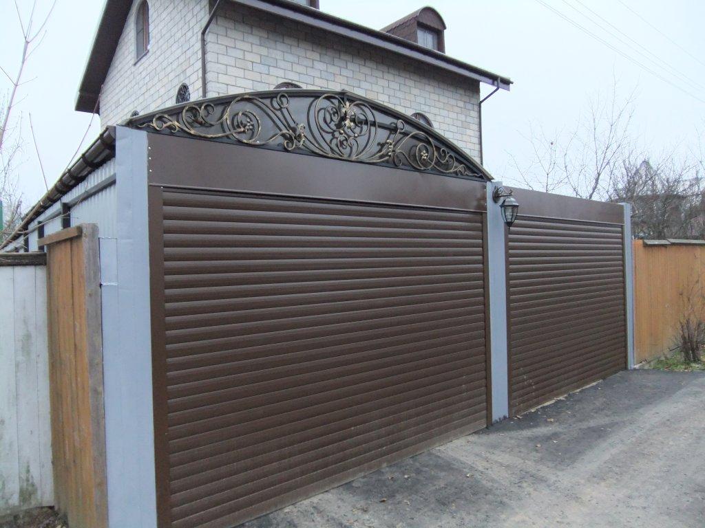 Какие ворота установить на дачном участке?
