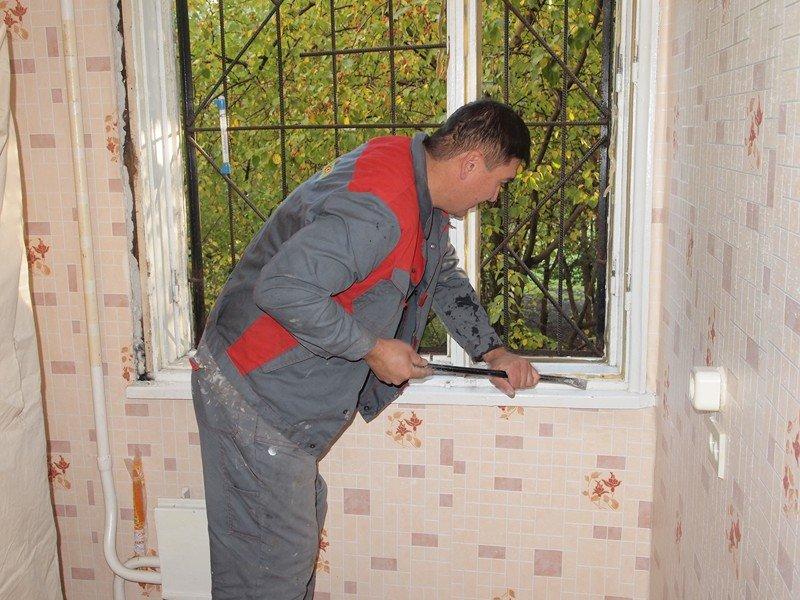 Застекление балкона пластиковыми окнами цена