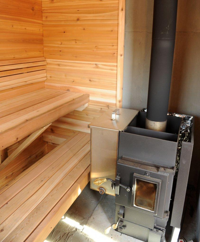 Печь с баком для бани