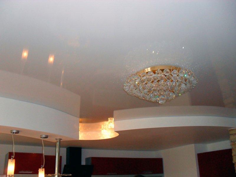 Секреты профессионалов: как самостоятельно снять натяжной потолок